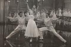 follie-nel-mondo-1950-fruhling-auf-dem-eis-jacoby-05