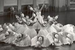 follie-nel-mondo-1950-fruhling-auf-dem-eis-jacoby-08