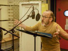 listen-to-the-radio-2019-gehoert-gesehen-ein-radiofilm-brossmann-paede-recensione