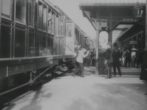 s-m-kaiser-franz-joseph-kehrt-aus-seiner-sommerresidenz-bad-ischl-zurueck-1913-aavv-recensione